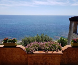 Villa Serenella by Estay