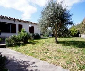 Baja Sardinia Apartment Sleeps 8 Pool WiFi