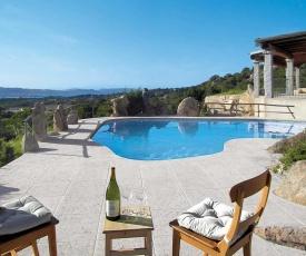 Baja Sardinia Villa Sleeps 10 Pool Air Con WiFi