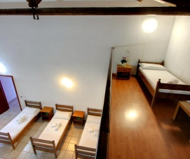 Cala Bitta Villa Sleeps 8 Pool Air Con WiFi