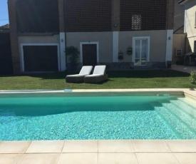 LOVELY HOME (con piscina e wi-fi)